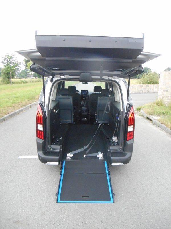 rampe d'acces pour fauteuil roulant peugeot rifter